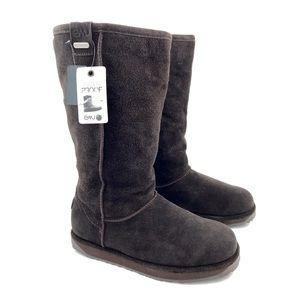 NWT- EMU AUSTRALIA sheepskin brown boots
